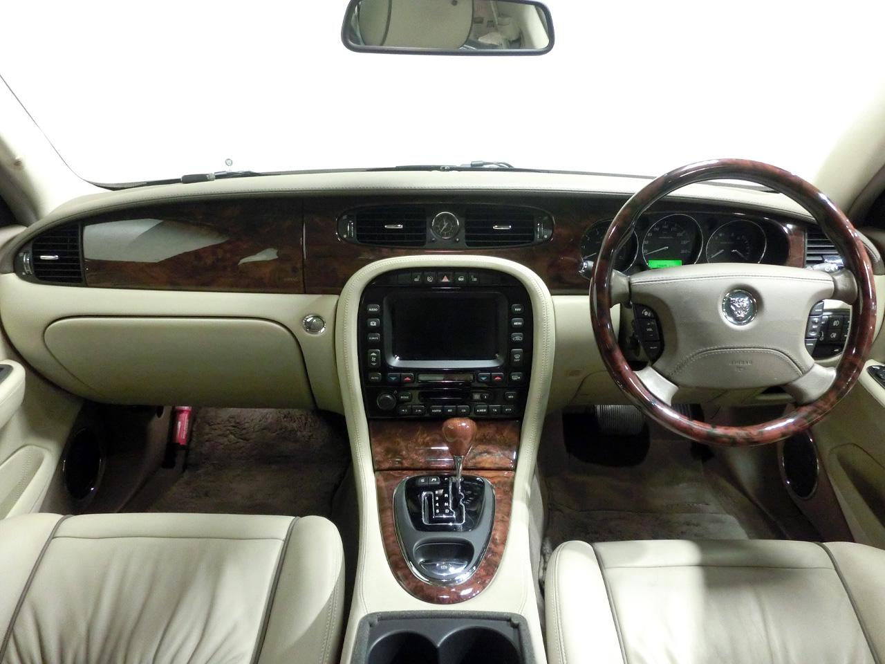 ジャガーXJ X350ソブリン 内装 中古車情報