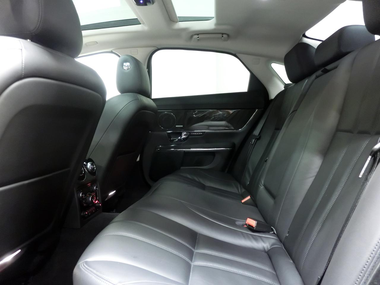 ジャガーXJプレミアムラグジュアリーアルティメットブラック x351中古車