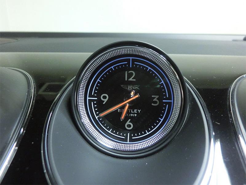 ベントレーベンテイガ時計