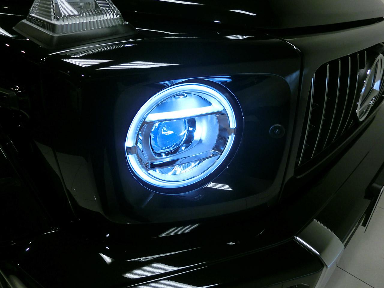 新型gクラス ヘッドライト