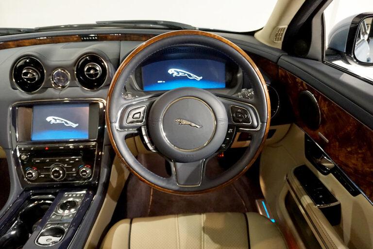 2010年式 ジャガー XJ5.0 スーパースポーツ SWB クリスタルブルー MQ3551